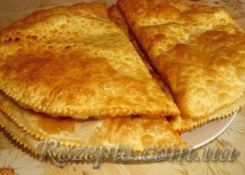 Чебуреки на кефире с картошечкой и сыром