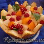 Десерт Дыня с персиками