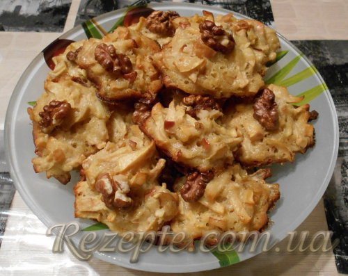 Домашнее печенье с яблоками