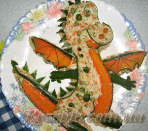 Салат с мясом и свежим огурцом Дракон