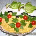 Салат с фаршем и грибами