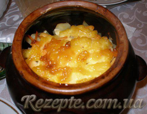 Картофель с мясом и грибами в горшочках