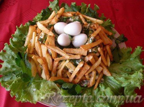 Салат с курицей Гнездо глухаря