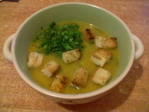 Овощной суп-пюре с гренками
