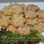 Печенье с колбасой и сыром