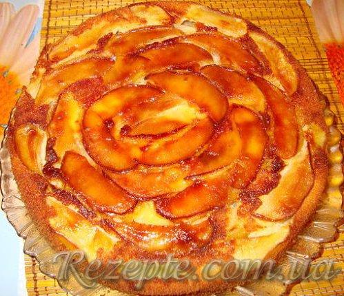 Пирог с яблоками Роза