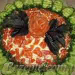 Салат из пекинской капусты и семги