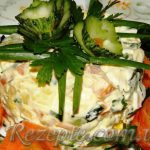 Салат с курицей и овощами Столичный