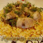 Свинина в сметанном соусе в мультиварке