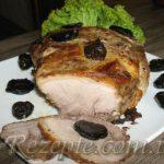 Свиной ошеек с черносливом
