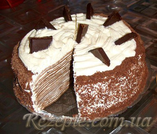 Торт из шоколадных блинчиков с творожным кремом