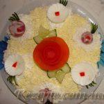 Салат с семгой и креветками Цунами