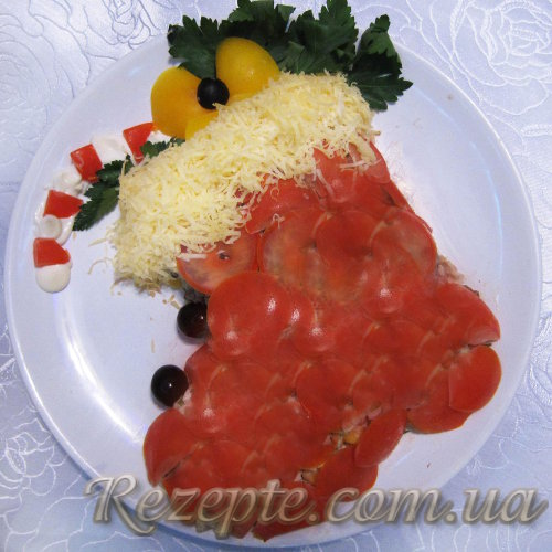 Новогодний слоеный салат