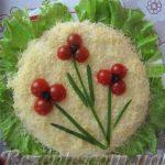 Салат куринный с ананасами