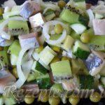Салат с киви и селедкой