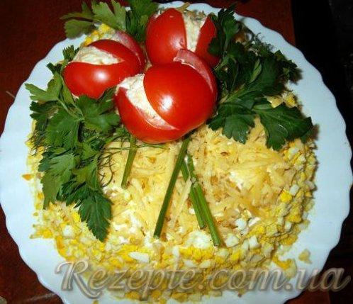 Салат с курицей Тюльпаны